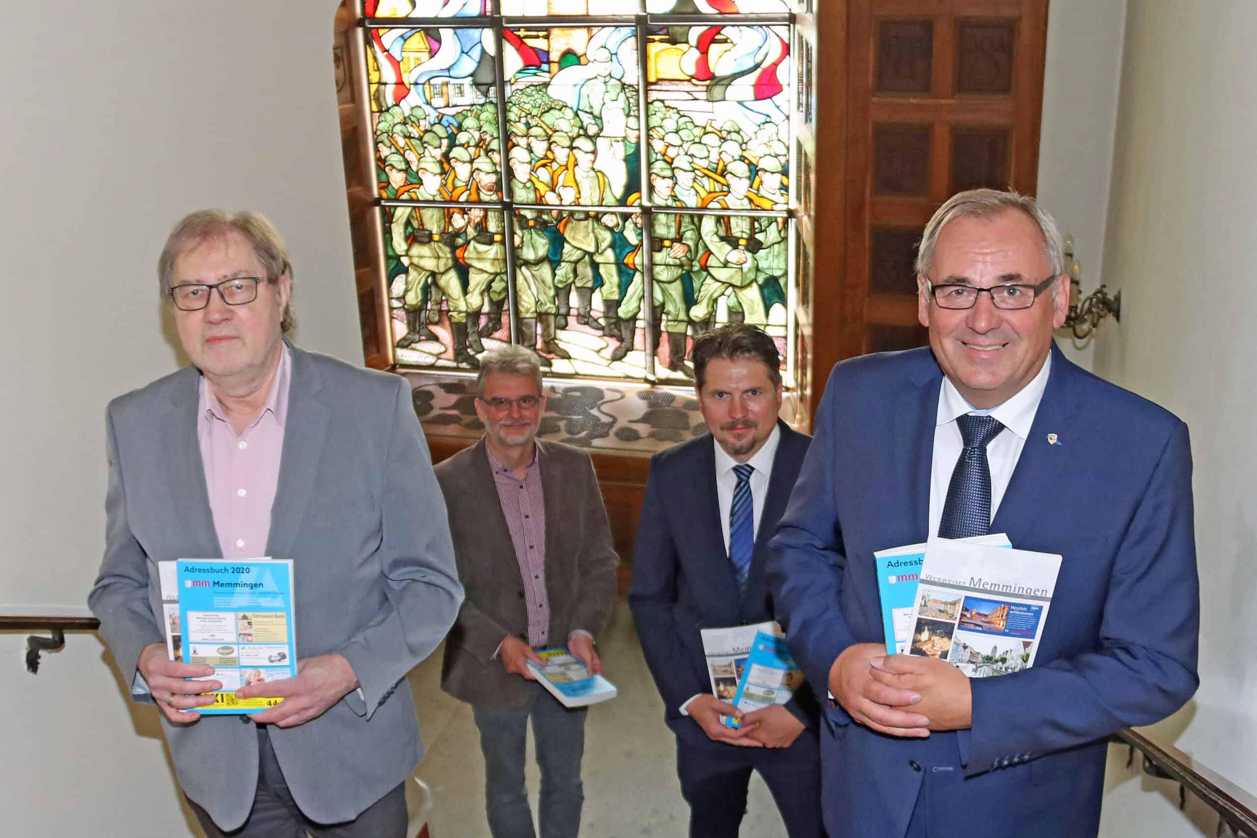 Übergabe des Adressbuch in Memmingen
