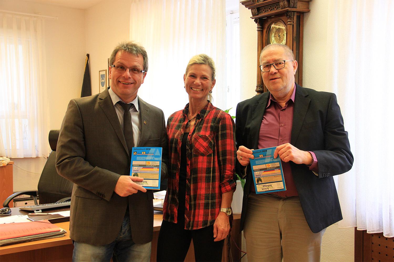 Übergabe Des Neuen Adressbuches  Für Die Stadt Maulbronn